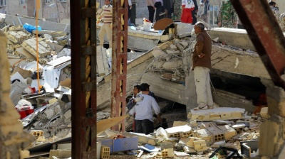 Death toll from Iran-Iraq border quake approaches 400