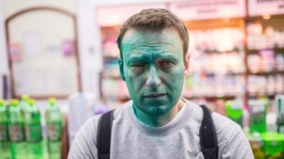 Opposition activist Alexei Navalny will spend Russia's presidential elections in jail