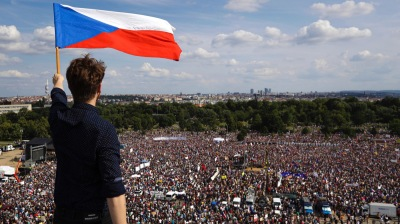 More than 250,000 gather in Prague for anti-government protest