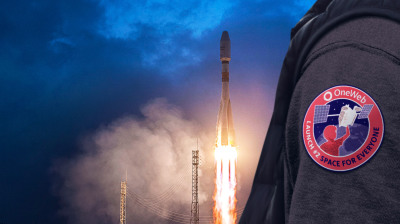 "#bneTech: OneWeb's big satellite launch at Kazakh cosmodrome steps up race with Bezos, Musk to offer high-speed internet ""everywhere"""