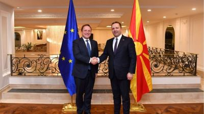 Enlargement commissioner brings hope to North Macedonia about EU perspective