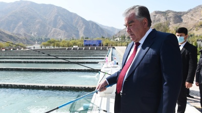 A Tajikistan poised on verge of economic calamity set for vote