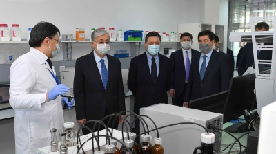 Coronavirus, oil prices push Kazakhstan toward recession