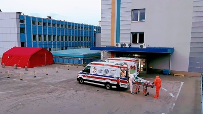 Poland to set up makeshift hospitals as COVID-19 second wave bites hard