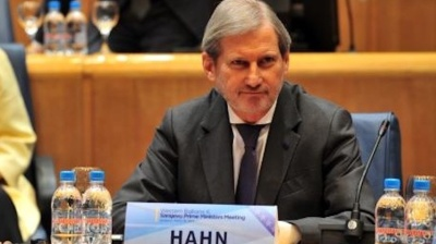 EU's Hahn ready to help Bosnia solve political deadlock as deadline for PM nomination expires