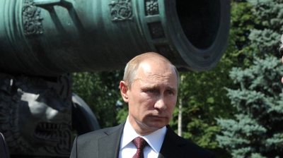 Kremlin nerves tested by oil and ruble's troubled waters