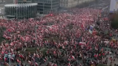 Far-right marches in Warsaw to celebrate Poland's Independence Day