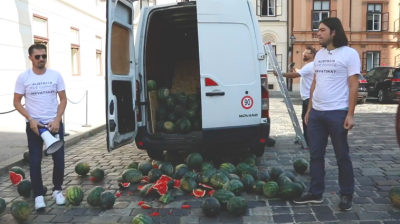 "Croatian officials slam MEP's watermelon protest as ""security threat"""