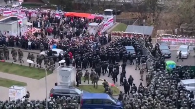 Belarus OMON arrest and torture demonstrators defending slain protester's impromptu memorial at weekend march