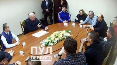 Belarus' Lukashenko meets with opposition presidential candidate Babariko in jail to cut a deal?