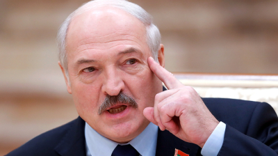 Lukashenko closes borders, sends top aides to western regions to face down faux Nato threat