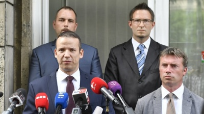 Hungary's biggest opposition party Jobbik faces financial and leadership crisis