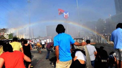 Erdogan's police use rubber bullets against Istanbul Pride attempt as usual