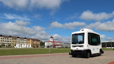 Passengers of driverless shuttle-bus in Latvia are asked not to test the vehicle's smartness