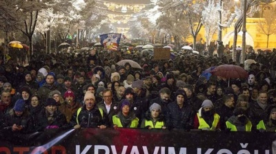 Thousands protest against Serbia's